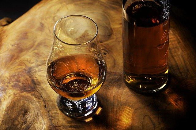 Gläser für den Whiskygenuss: Glencairn Glas